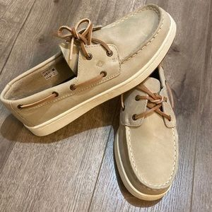 Youth Sperry boat shoes size 4
